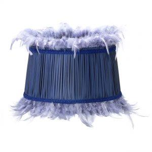 Didelis gilios mėlynos spalvos gaubtas su plunksnomis